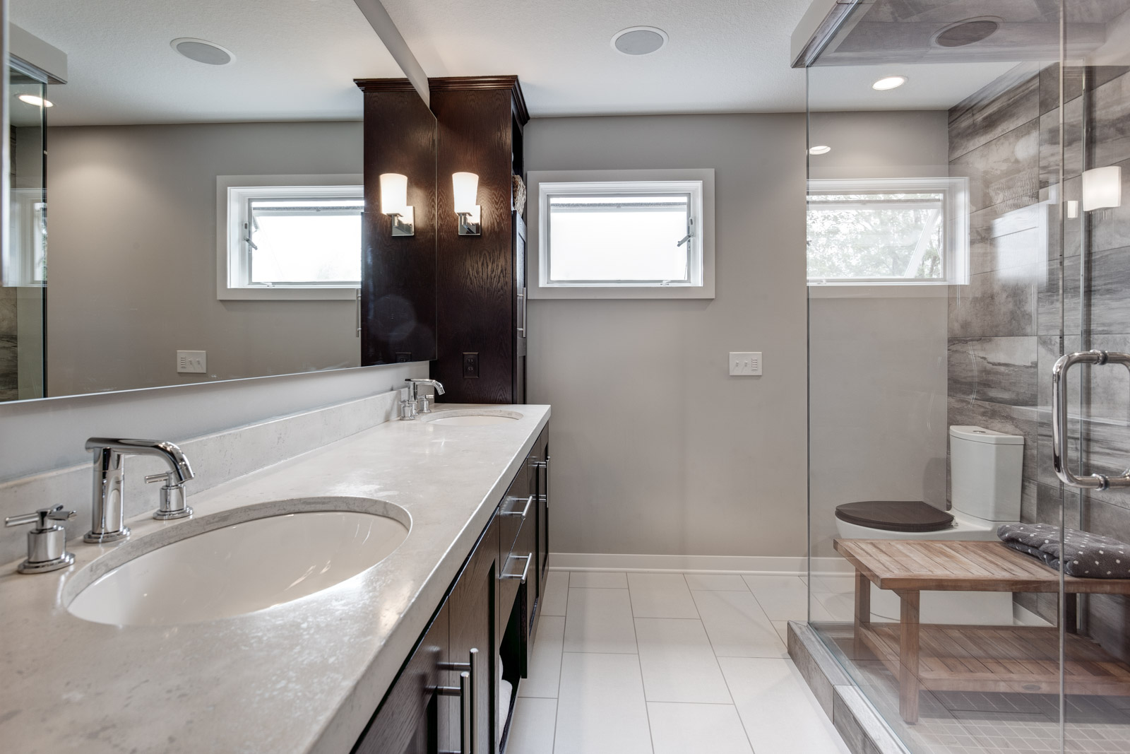 Bathroom remodeling minneapolis st paul minnesota for Bath remodel mn